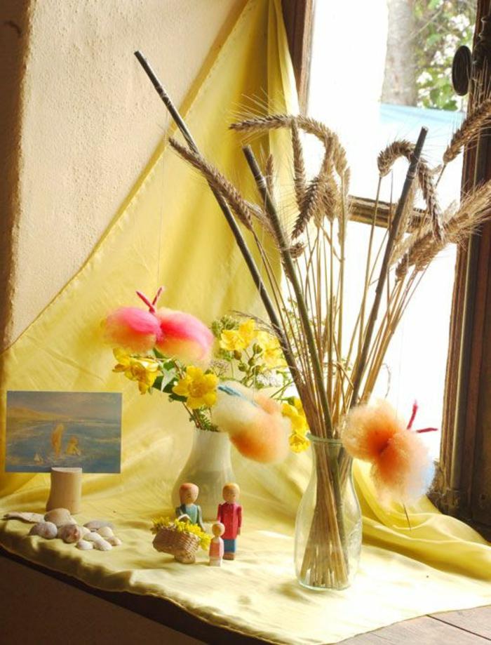 Fensterbrett gestalten Sommer Deko Idee Vasen Blumen maritime Elemente