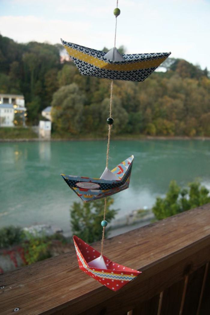Fensterdeko Sommer Girlande basteln Origami Segelschiffchen