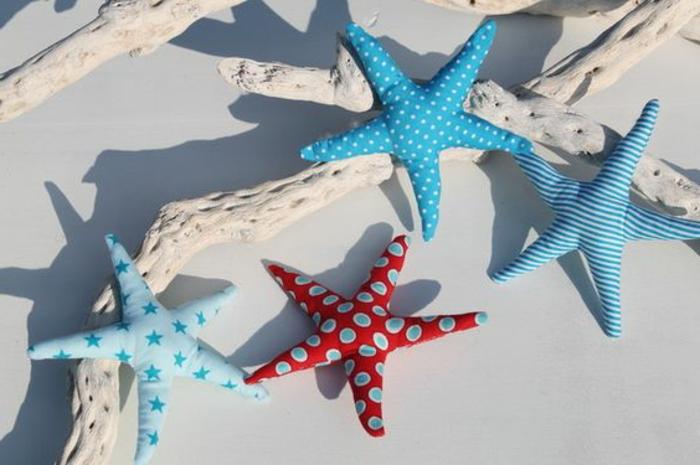 maritime Deko Ideen für den Sommer Seesterne aus Stoff und Dekoholz
