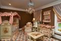 Babybett mit Himmel sorgt für süße Träume
