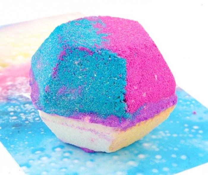 badekugel in form von diamant in verschiedenen farben