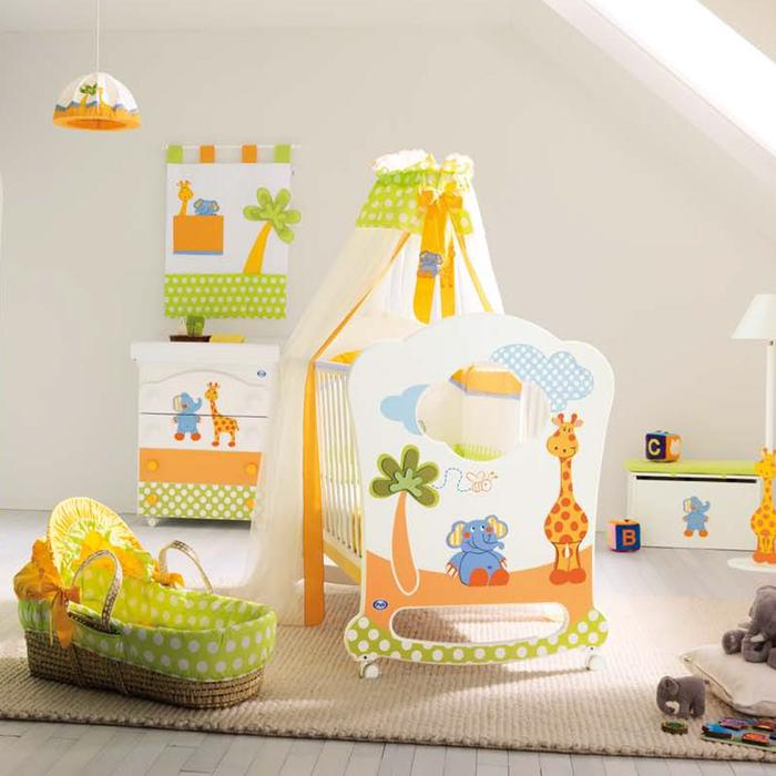 Babyzimmer in frischen Tönen gestalten, afrikanische Tiere als Deko, für Jungen und Mädchen passend