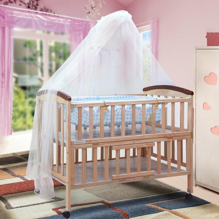 Holzbett mit Rollen und weißem Himmel, Ideen für Einrichtung, Babyzimmer für Jungen und Mädchen