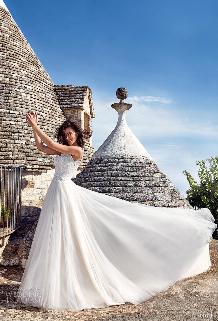Prinzessinnen Brautkleid mit Herz-Ausschnitt und Trägern, bodenlang und weit