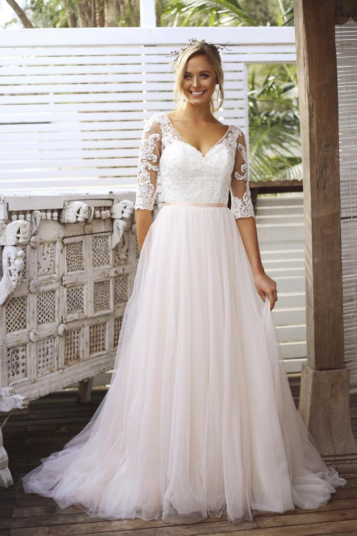 Brautkleid mit 1/2-Ärmeln, Spitzen-Oberteil, Tüllrock, locker fallend, bodenlang