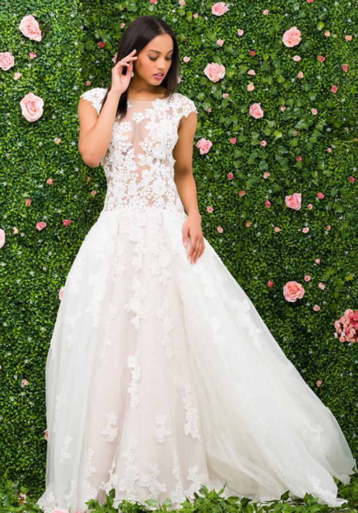 Spitzenkleid, ärmellos, weit, bodenlang, Sommer Hochzeitskleid, in Weiß
