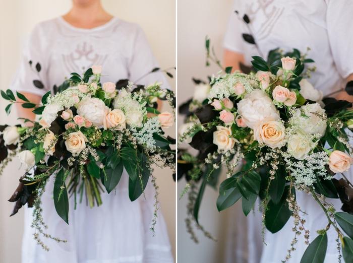 weiße Blumen und rosa Blumen grüne Blätter Hochzeitsstrauß vintage