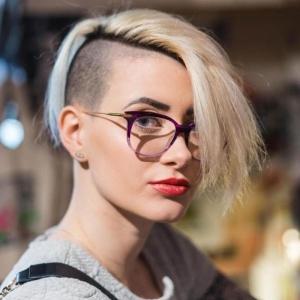 Undercut Frauen - eine moderne Frisur für einen ausgefallenen Look