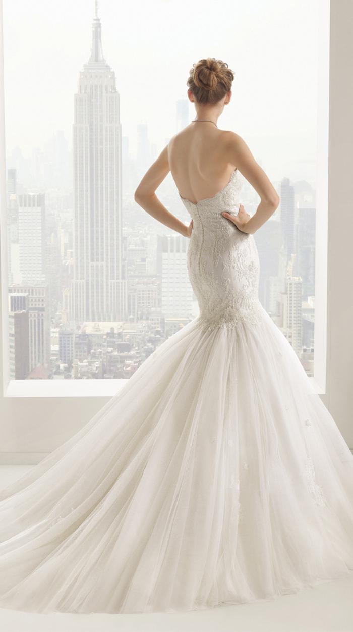 Brautkleid-Meerjungfrau, trägerlos, mit tiefem Rückenausschnitt, mit Tüll, sehr elegant
