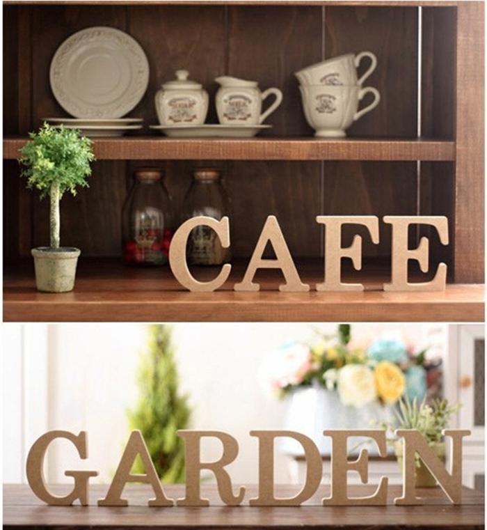 deko aus holz für das zuhause kaffee trinken im garten schöne aufschrifte buchstaben aus holz deko