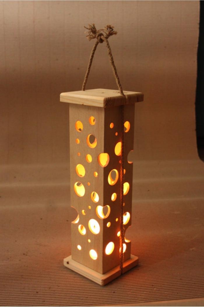 deko holz laterne selber gestalten ideen zur beleuchtung zu hause deko kasten aus holz mit löcher leuchtet