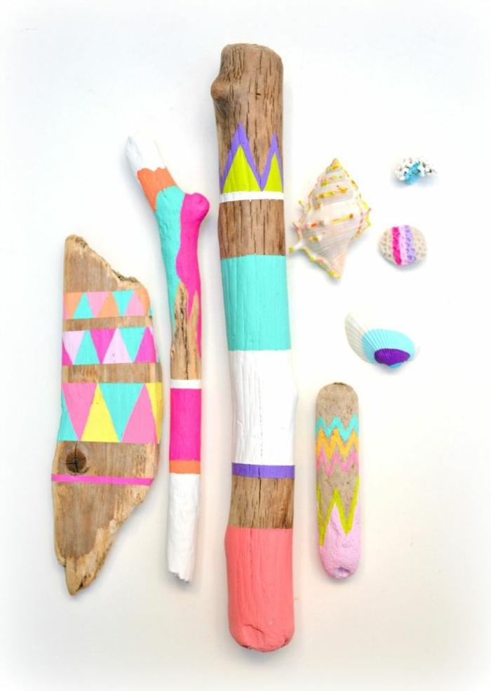holz deko bunte ideen zum inspirieren bunte farben hölzerne stücke mit farben bemalen an der wand deko