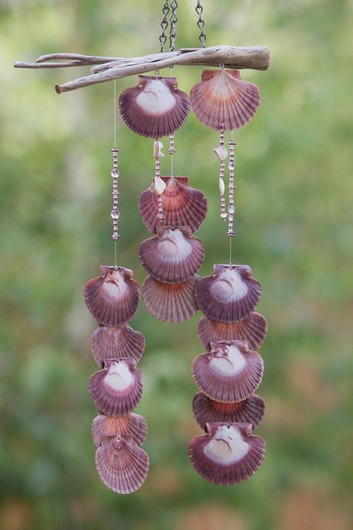 holzdeko ideen mit muscheln lilafarbene dekoration für den garten ideen zum gestalten gartendeko mit holz