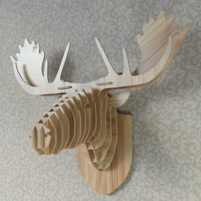 holzdeko elch kopf gestaltung aus hölzernen elementen idee wanddeko kreative ausführung öko