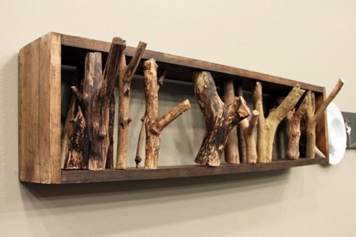 holzdekoration dekoratives regal aus holz ideen gestaltung deko aufhänger ideen schrank tisch