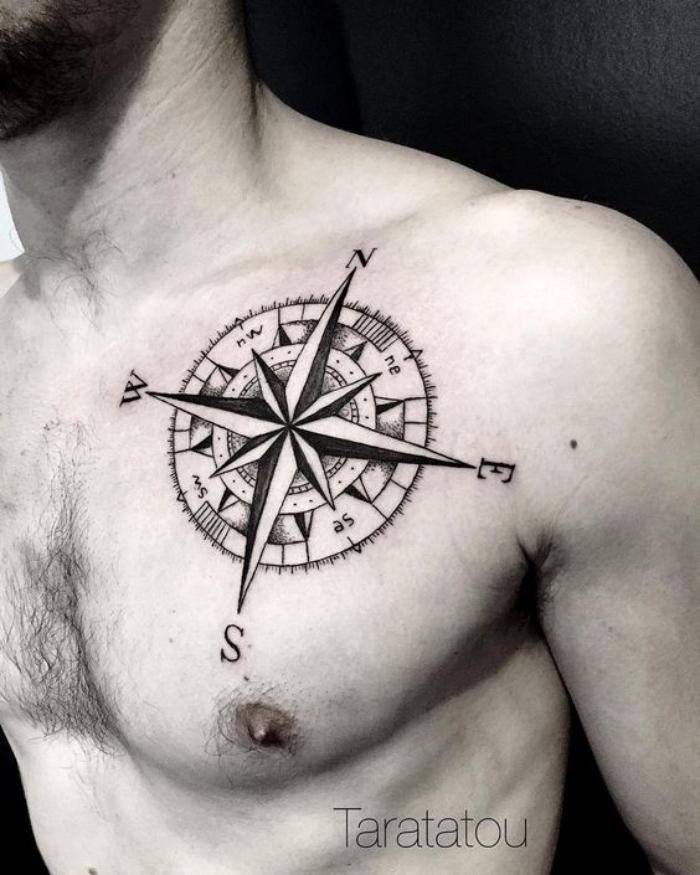 hier finden sie noch eine idee für einen sehr schönen, großen, schwarzen, modernen tattoo mit einem schwarzen kompass - idee für einen compass tattoo für einen mann