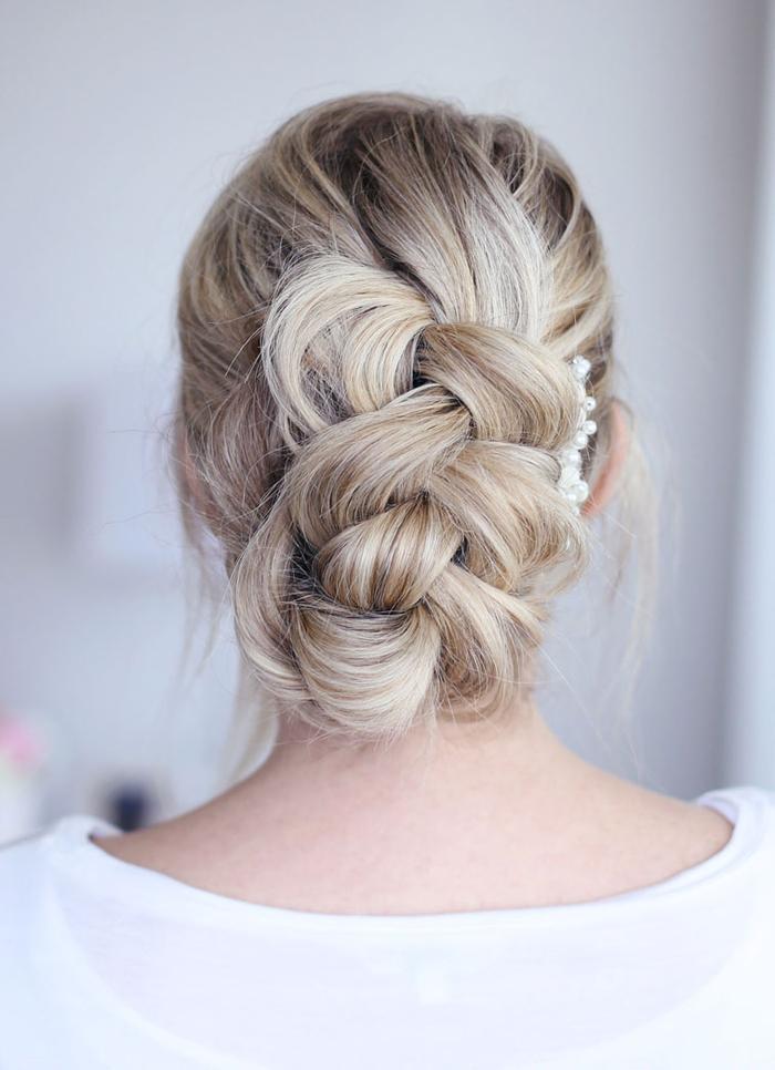 blondes Haar, geflochtenes Haar Schmuckstücke aus perlen perfekte Hochzeit Haare
