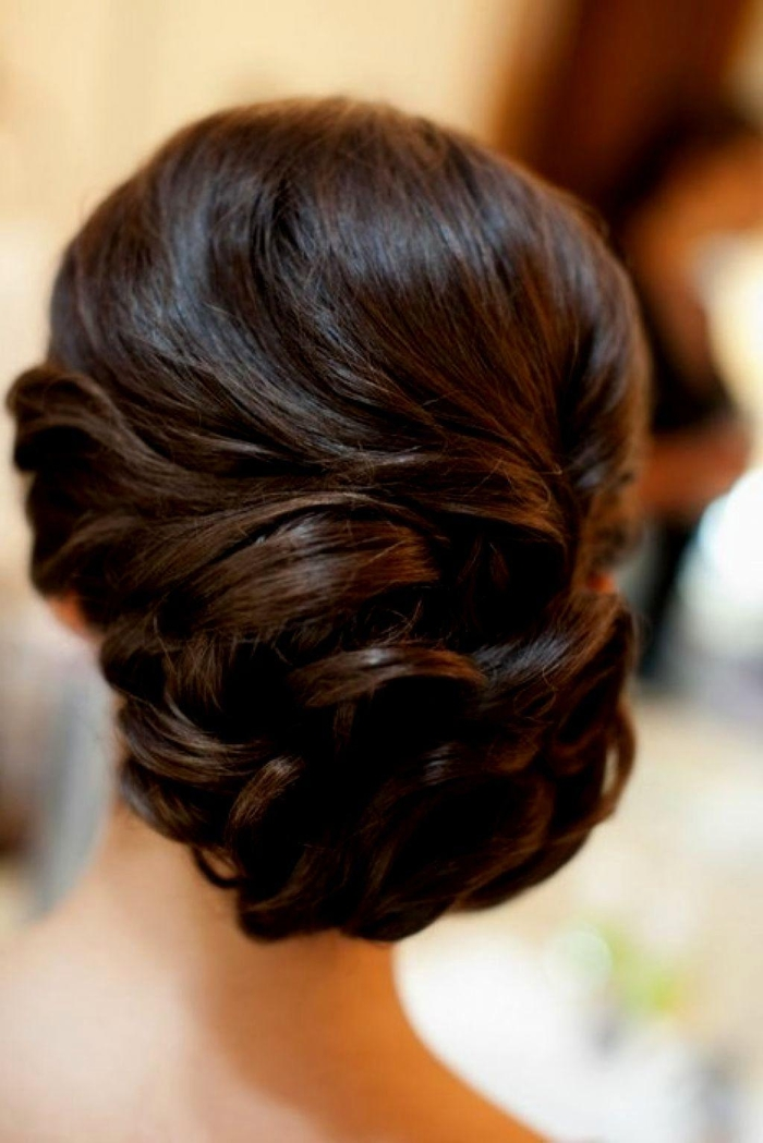 schwarze Haare Steckfrisur geflochtene Haare einfache Hochzeit Frisuren