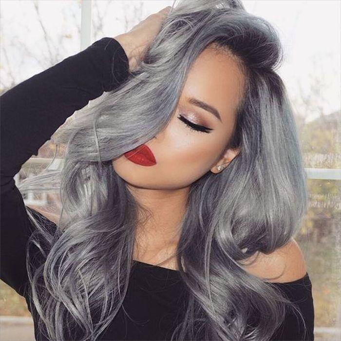 neue frisuren, moderne haarfarbe, graue haare, roter lippenstift