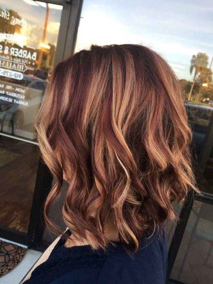 coole frisuren, moderne haarschnitte, rote haare mit blonden strähnen
