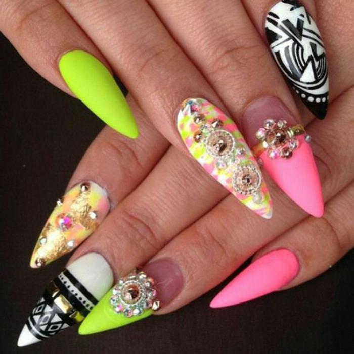 bunte gelnägel selber machen ausgefallene farben und design ideen bunte steinen neonfarben nagellack