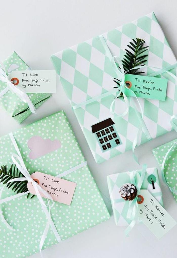 grüne Verpackungen mit grünen Zweige und lustige Karten - Geschenke kreativ verpacken