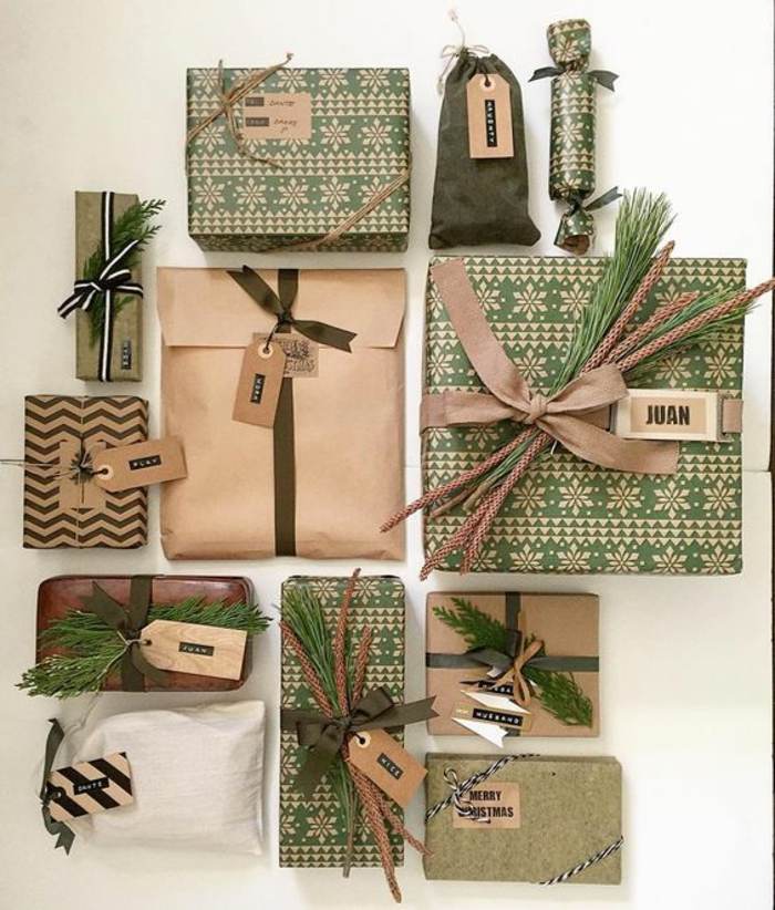 alle Familienmitglieder bekommen verschiedene gut verpackte Geschenke in grün und braun - Geschenke kreativ verpacken