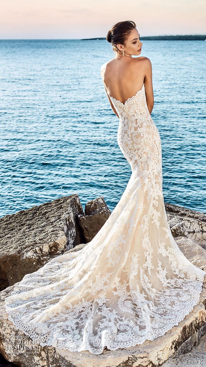 Brautkleid-Meerjungfrau aus Spitze, tiefer Rückenausschnitt, trägerlos, lange Schleppe