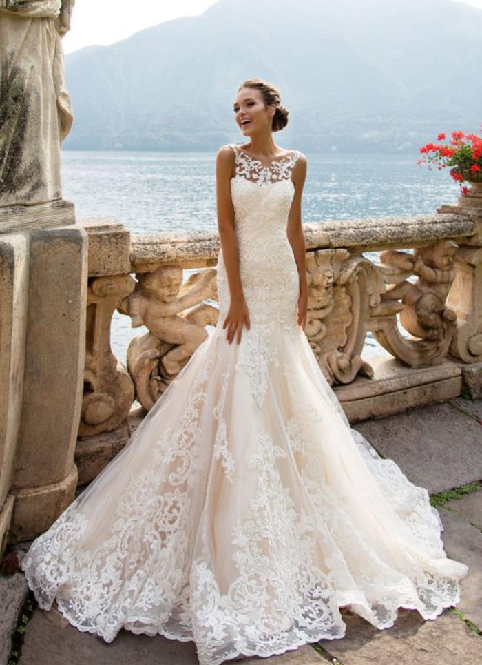 Spitzenkleid-Meerjungfrau, bodenlang, ärmellos, elegant und stilvoll, in Weiß