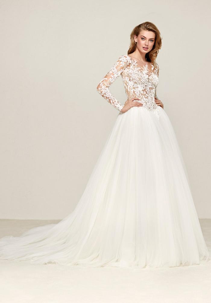 märchenhaftes Brautkleid aus Tüll und Spitze, mit langen Ärmeln, mit langer Schleppe