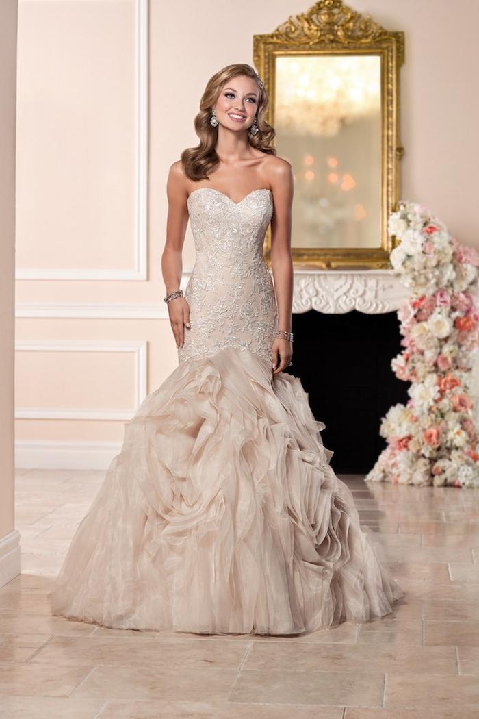cremeweißes Brautkleid-Meerjungfrau, trägerlos, mit Herz-Ausschnitt, Tüll-Elemente