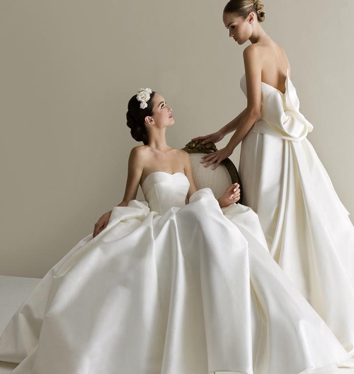 trägerlose Brautkleider aus Satin, schlicht und elegant, weite Hochzeitskleider in Weiß