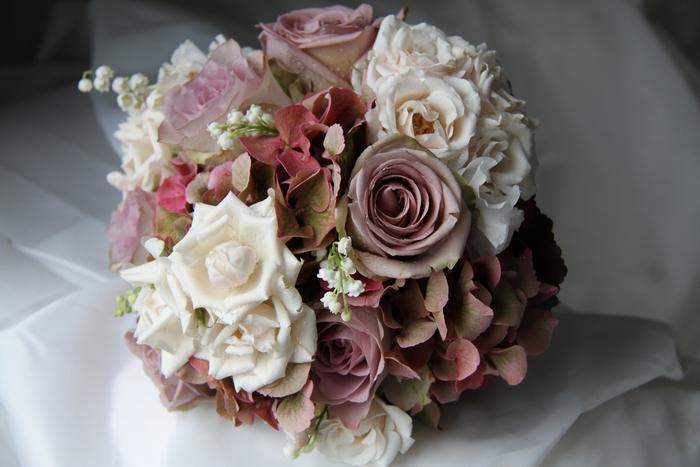 vintage Hochzeitssträuße aus verschiedenen Sorte von Rosen Brautstrauß Frühling