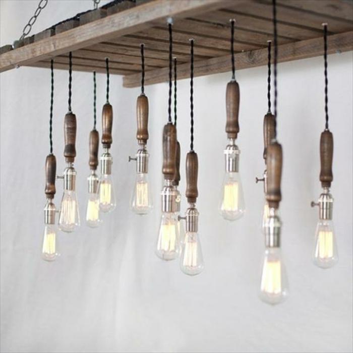 holzdekoration deko lampen gestaltung tolle ausführung ideen glühbirne hängend vom regal