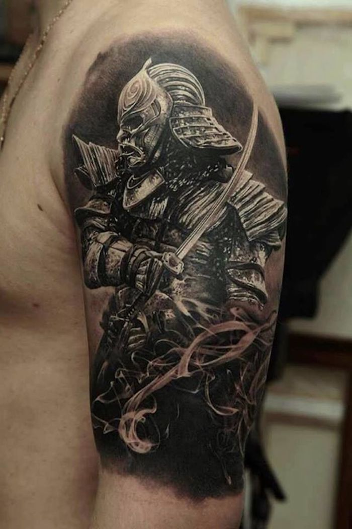 japanische krieger, katana, samuraischwert, tätowierung in schwarz und weiß