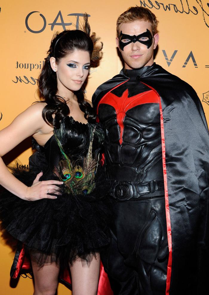 schwarze Kleidung von Superhelden von zwei Stars Inspiration für Kindheitshelden Kostüme
