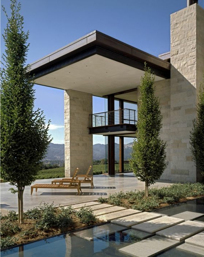 minimalistisches Haus mit minimalistischem Garten - Gartengestaltung Beispiele