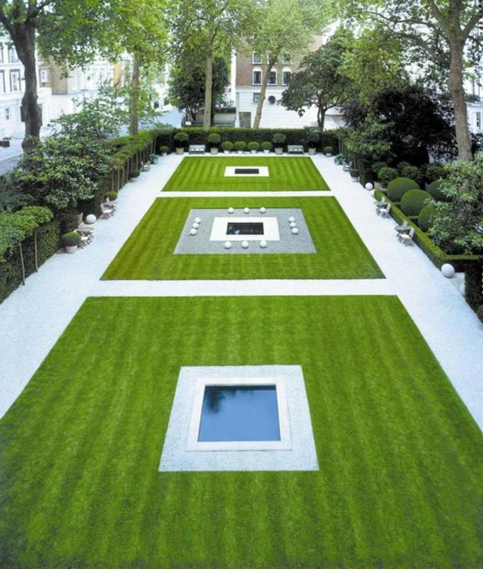 Gartengestaltung Beispiele - geometrische Gestaltung mit Wasserspiegel und Rasen