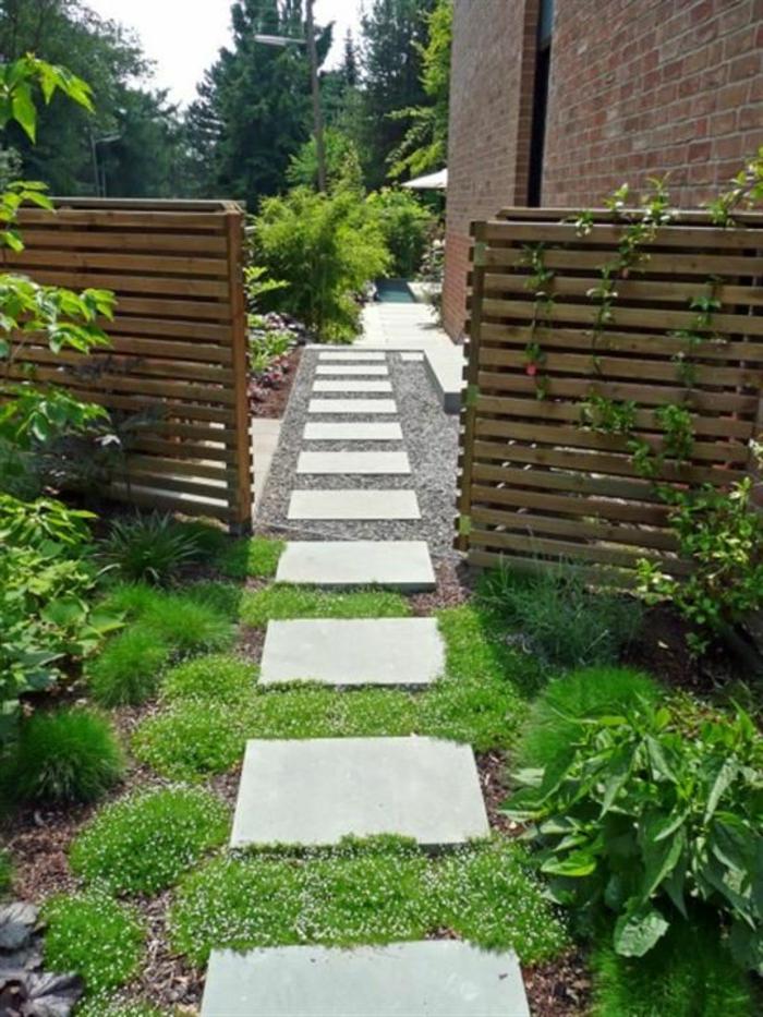 ein wildes Garten mit geometrischen Formen - Gartengestaltung Beispiele