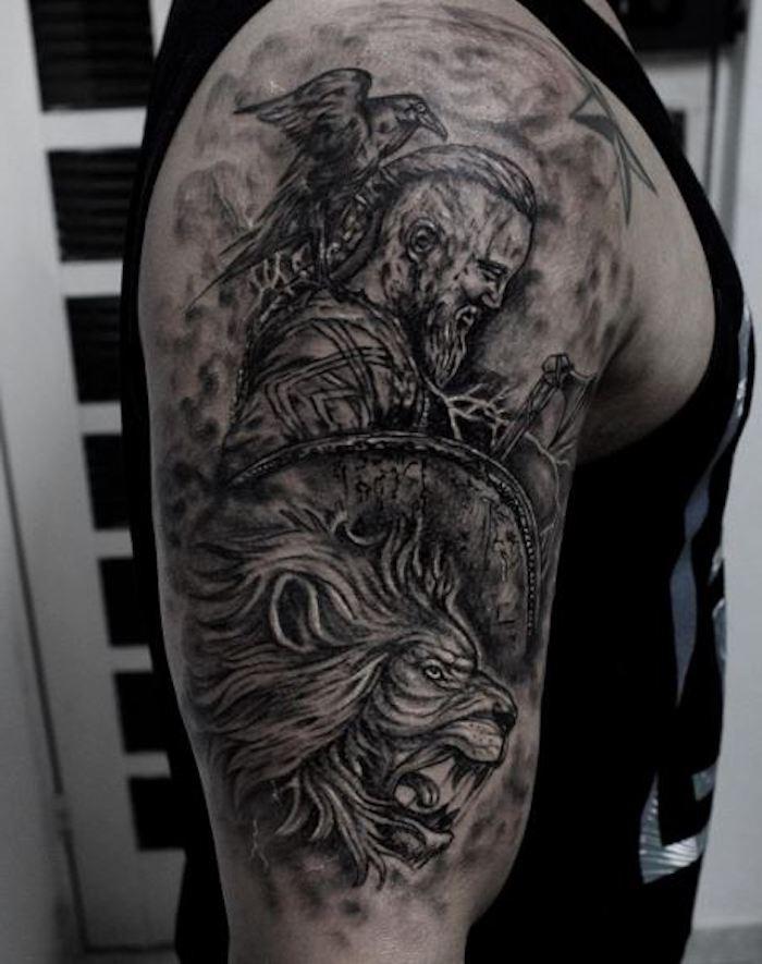 tattoo nordisch, oberarm tätowieren, oberarmtattoo, mann, löwe