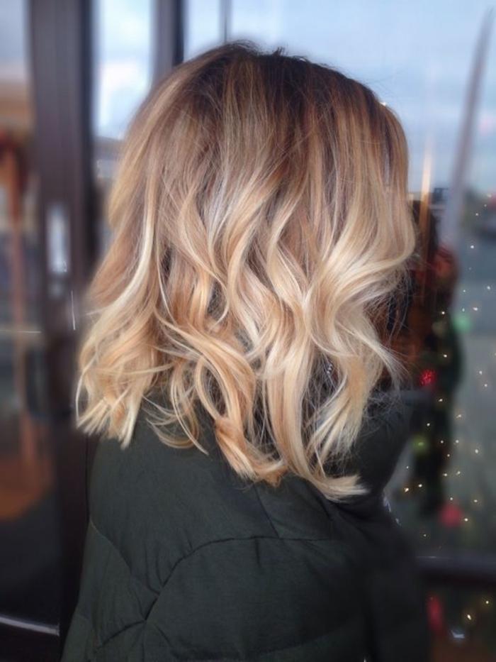 schulterlanges Haare Ombre Haare gekrauste Haare eine Frisur perfekt zum Silvester