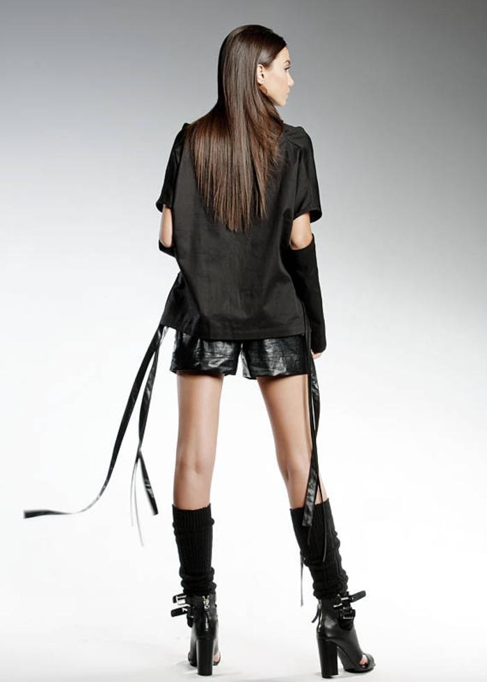 Pendari Fashion, Damenbekleidung in Schwarz, Hose aus Ökoleder, Gothic Hemd