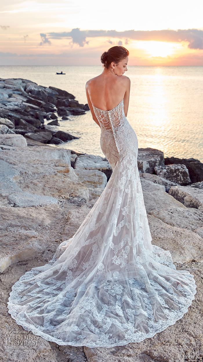 Prinzessinnen Brautkleid, Meerjungfrau mit langer Schleppe und Perlenstickerei