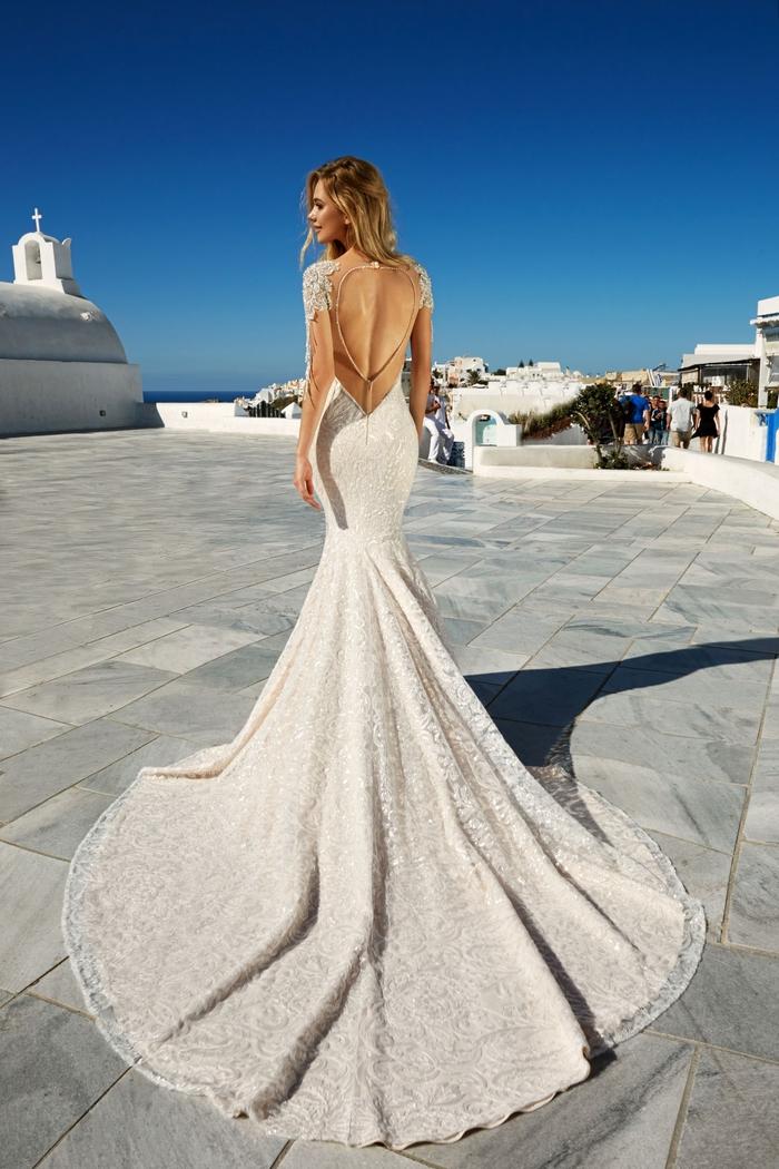 Prinzessinnen Brautkleid, Meerjungfrau mit langer Schleppe und tiefem Rückenausschnitt