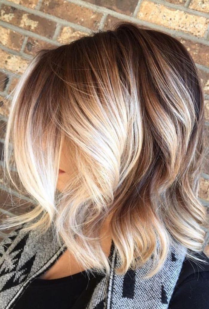 frisuren kurz, damenfrisur, bob-frisur, haarschnitt, blonde haarfarbe