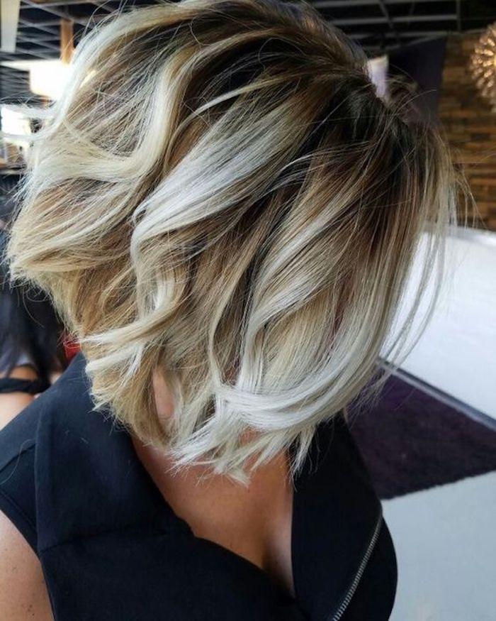 frisuren frauen, bob frisur, kurze blonde lockige haare, moderne damenfrisuren