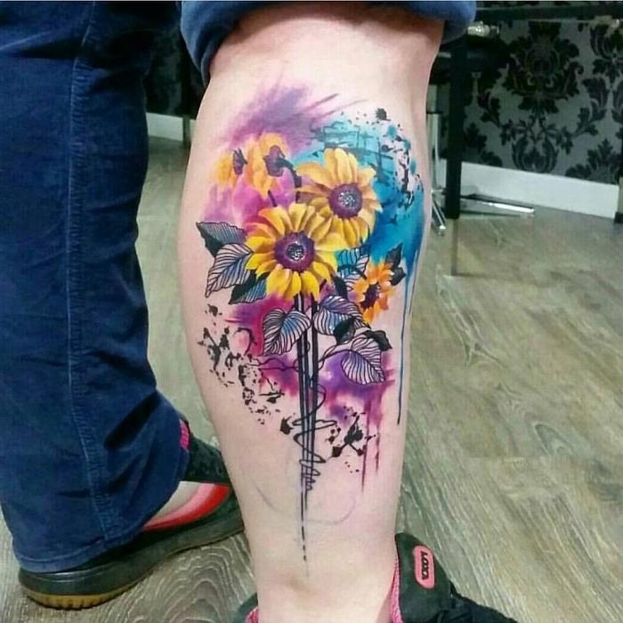 Sonnenblumen auf lila und blauen Hintergrund - alles ist ganz niedlich Wasserfarben Tattoo