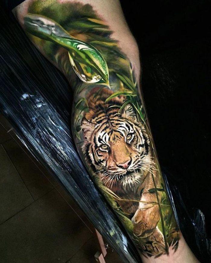 tigerkopf tattoo, bunte tätowierung, blätter, tiger