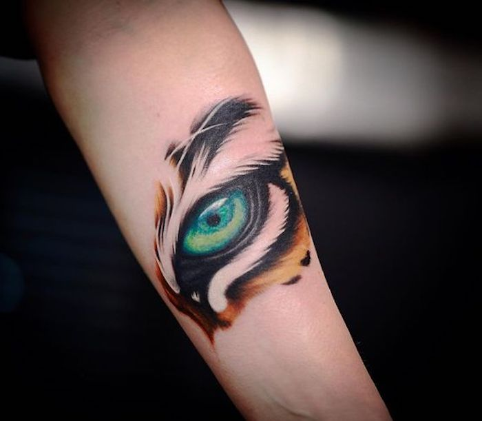 tiger tattoos, arm tätowieren, grüne auge, tigerauge