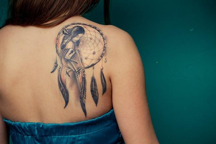 Inspiration für Ihr nächstes Tattoo, Traumfänger und Geisha, Rücken Tätowierung für Frauen
